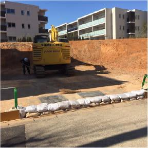 建物切り離しの補強・補修工事
